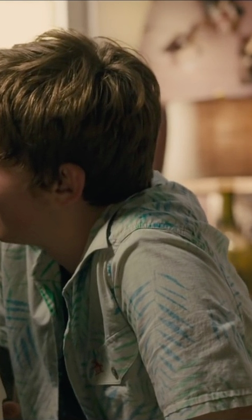 Austin Abrams with Cubavera Short Sleeve Leaf Print Shirt in Paper Towns