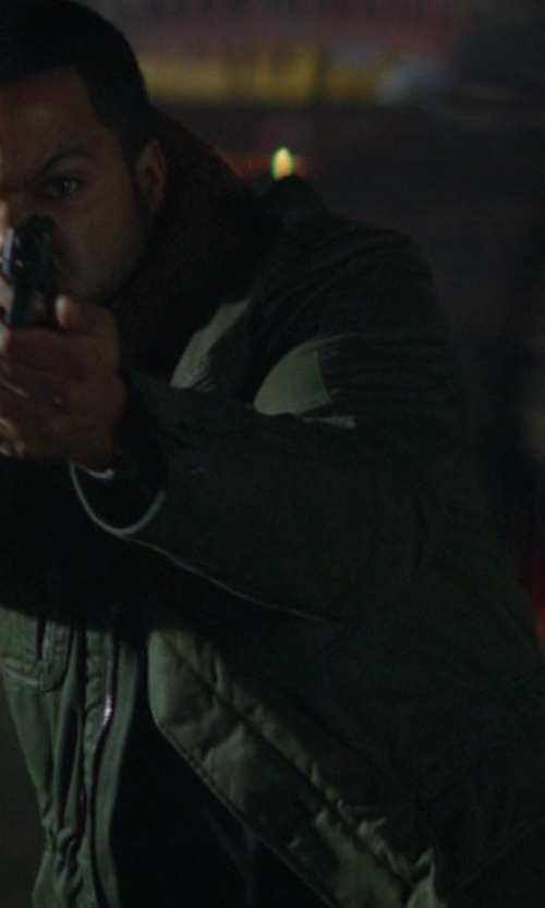 Ice Cube with Glock Glock 17 in Ride Along