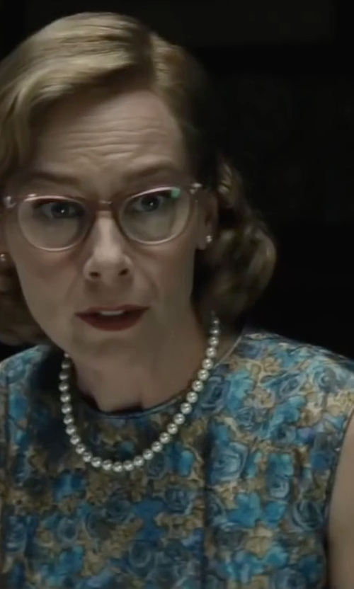 Amy Ryan with Alex Evenings Floral Lace Sheath Dress in Bridge of Spies