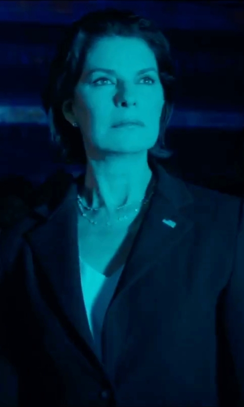 Sela Ward with Kasper Two-Button Blazer in Independence Day: Resurgence