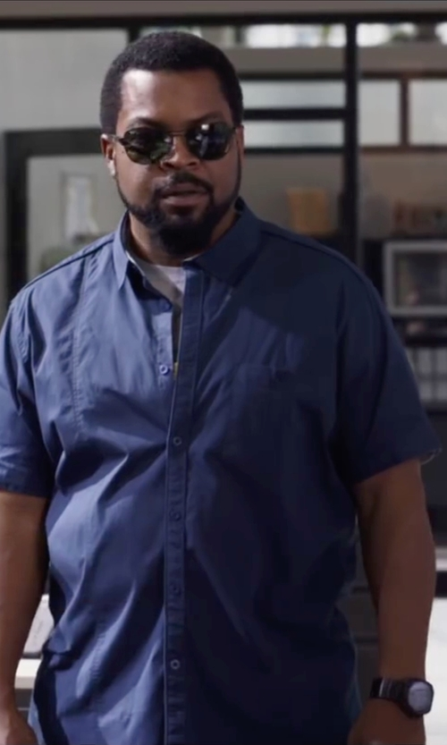 Ice Cube with Margaritaville Surfin Wave Button-Down Shirt in Ride Along 2
