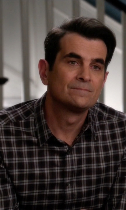 Ty Burrell with Strellson Plaid Sportshirt in Modern Family