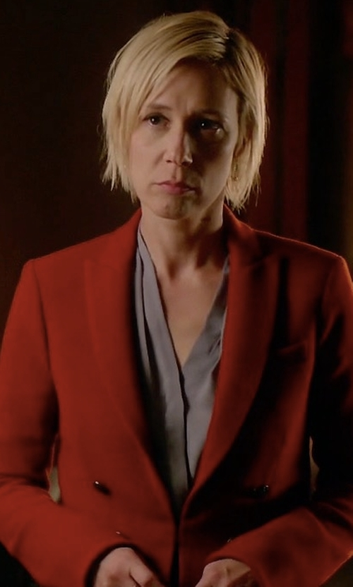 Liza Weil with Veronica Beard 'Peninsula' Faux Double Breasted Blazer in How To Get Away With Murder