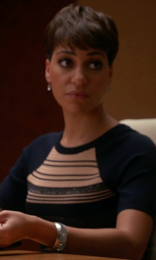 Cush Jumbo with Tiffany & Co. Hinged Wide Bangle Bracelet in The Good Wife