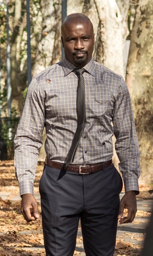 Mike Colter with Stafford Travel Performance Super Shirt in Marvel's Luke Cage