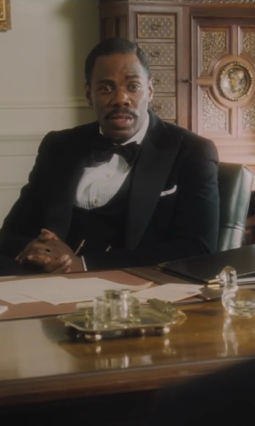 Colman Domingo with Studio 1735 Men's Solid Satin Pocket Square in Lee Daniels' The Butler