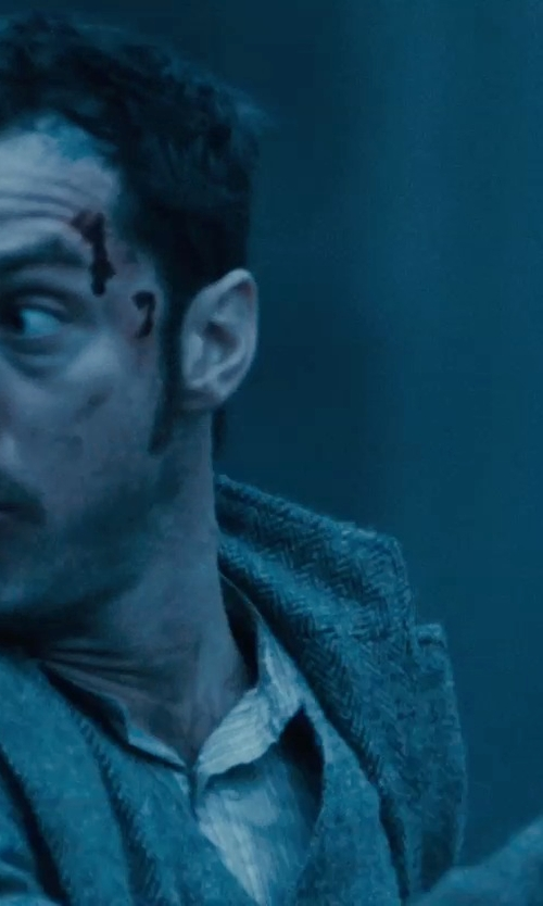 Jude Law with Raf Simons Moto Style Gloves in Sherlock Holmes: A Game of Shadows