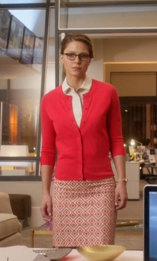Melissa Benoist with Ann Taylor Petite Abstract Diamond Pencil Skirt in Supergirl