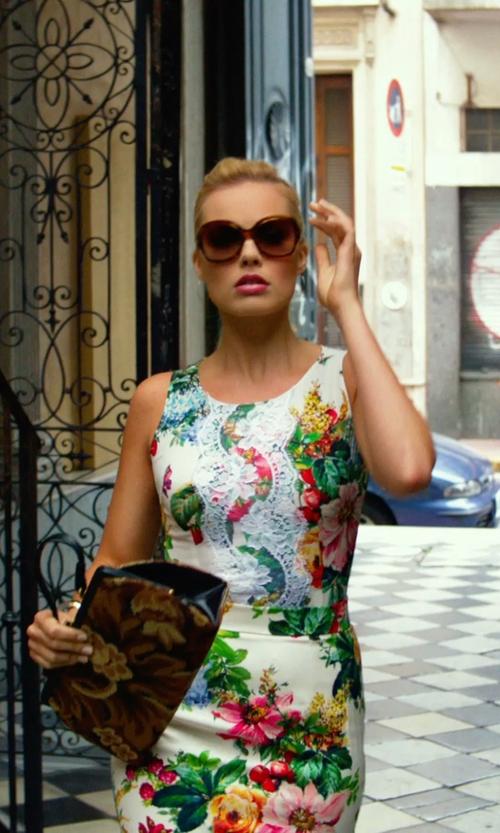 "Margot Robbie with Sama Eyewear ""Gossip"" Tortoise Sunglasses in Focus"