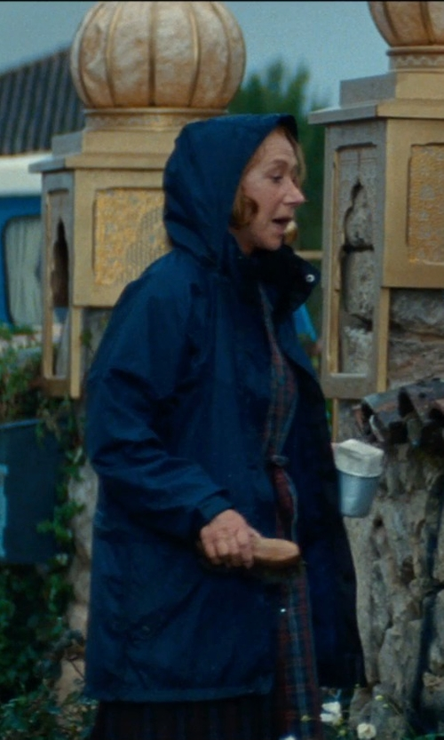 Helen Mirren with Totes Weather Stoppers Women's Raincoat with Removable Hood in The Hundred-Foot Journey