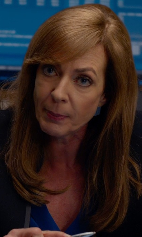 Allison Janney with Jamie Joseph Mini Boulder Opal Drop Earrings in Spy