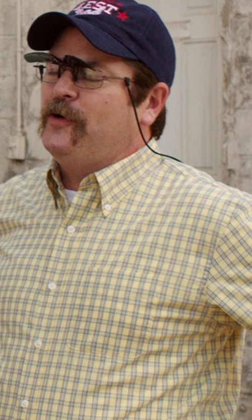 Nick Offerman with Cinch Men's Plaid Short Sleeve Shirt in We're the Millers