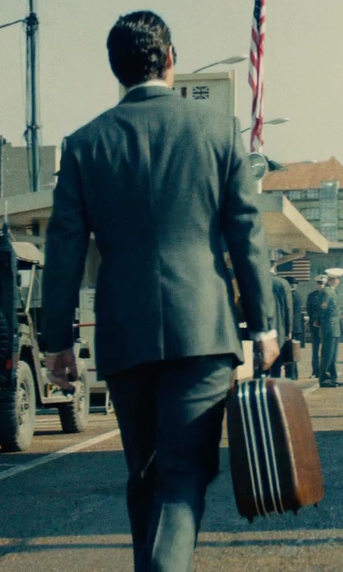 Henry Cavill with Bosca Triple Compartment Leather Briefcase in The Man from U.N.C.L.E.