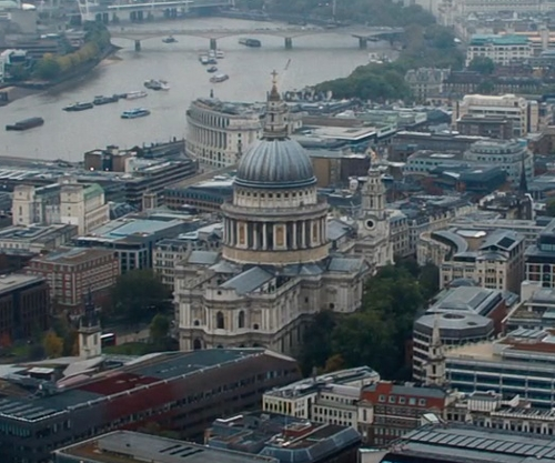 Unknown Actor with St Paul's Cathedral London, England in Thor: The Dark World
