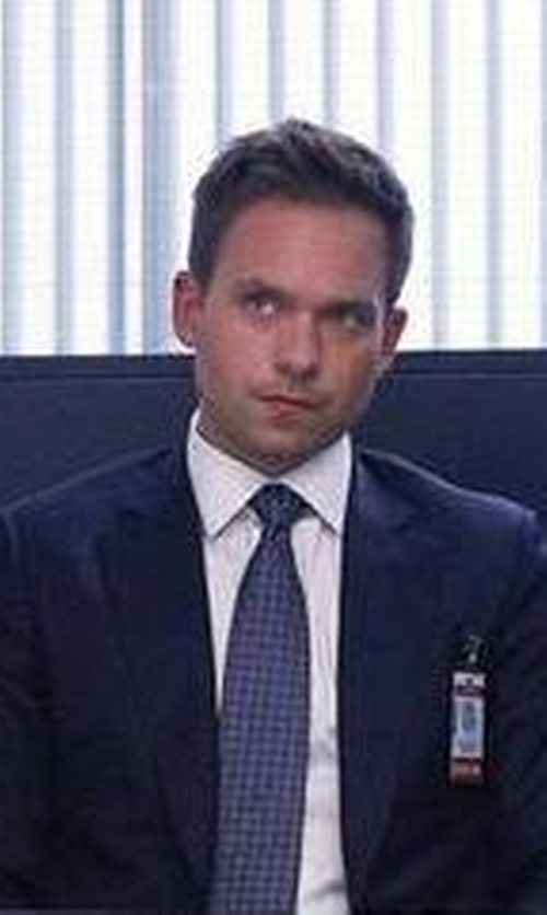 Patrick J. Adams with Canali Seersucker Cotton Two-Piece Suit in Suits