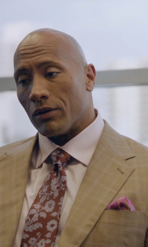Dwayne Johnson with Etro Dot & Paisley Print Silk Pocket Square in Ballers