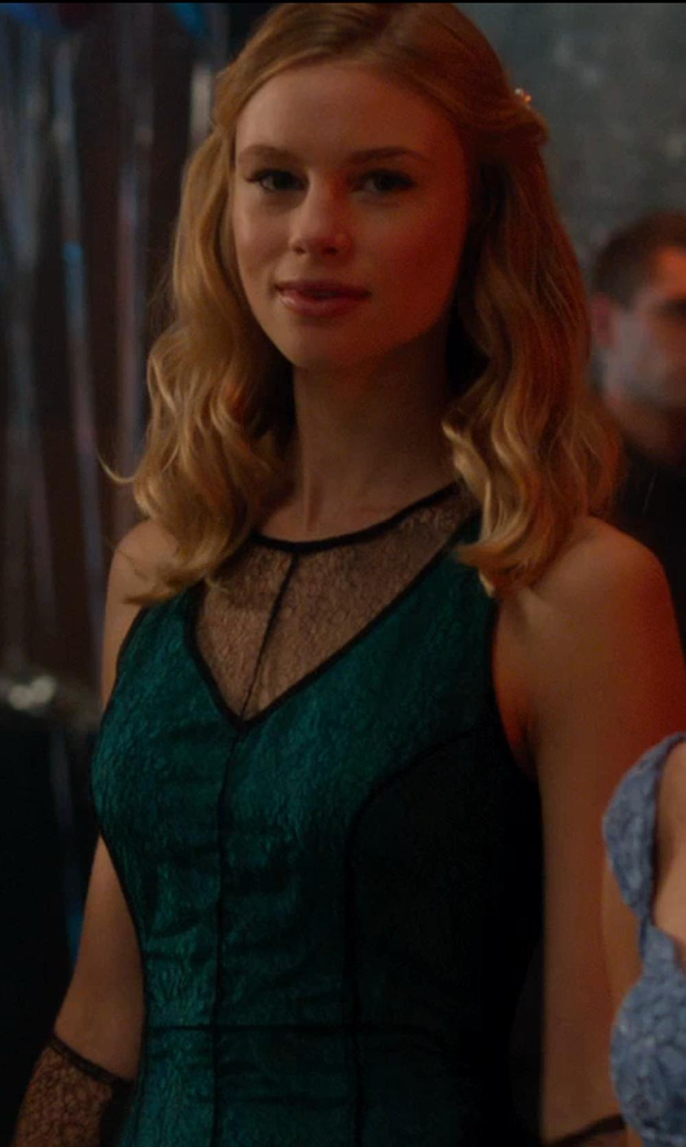 Lucy Fry with Dressy Prom Dark Green and Black Lace Prom Dresses with Knee Length and Scoop in Vampire Academy