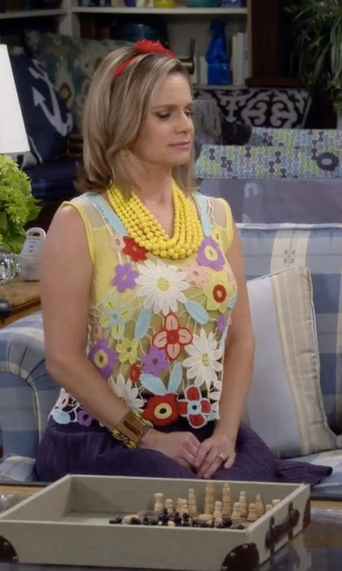 Andrea Barber with Armani Collezioni Box-Pleated Jersey A-Line Skirt in Fuller House