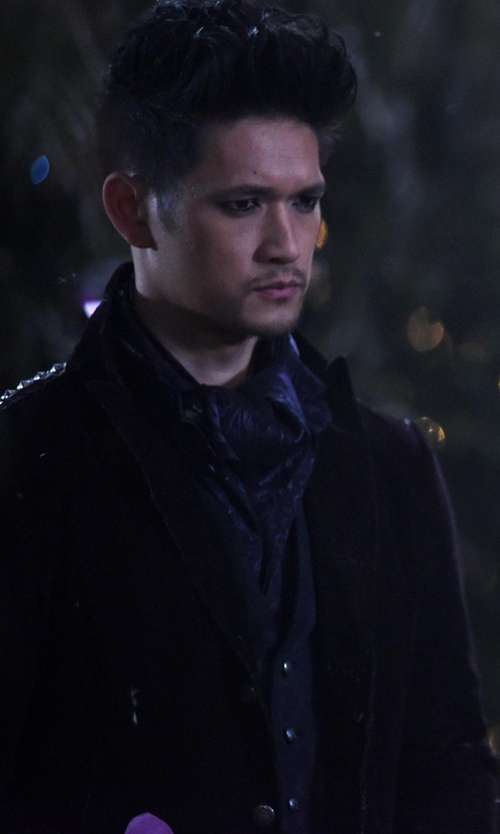 Harry Shum Jr. with John Varvatos Textured Tape Trim Vest in Shadowhunters