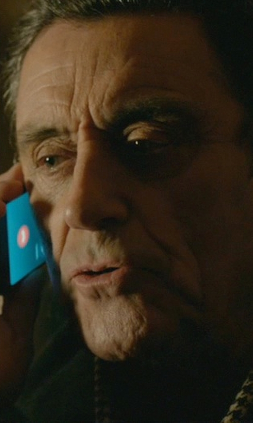 Ian McShane with Apple iPhone 5s in John Wick