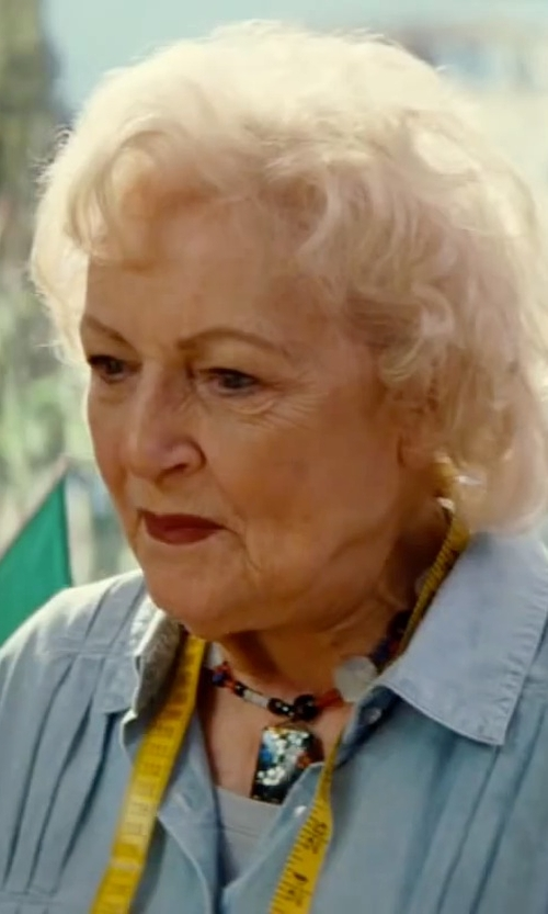 Betty White with Heidi Daus Tantalizing Beaded Swarovski Pendant Necklace in The Proposal