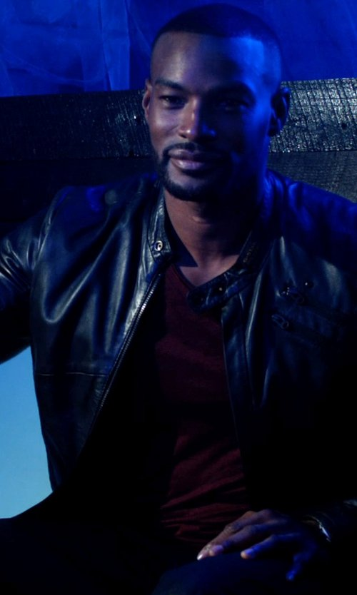 Tyson Beckford with Vince Favorite Heathered V Neck T-Shirt in Addicted