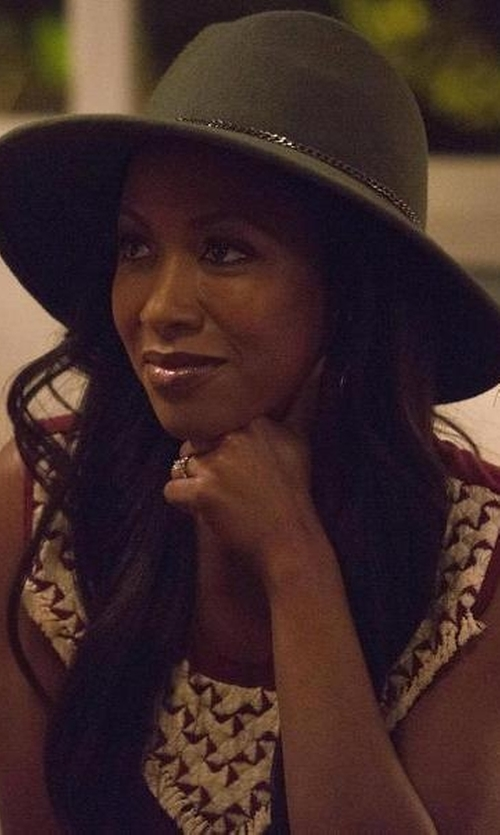 Gabrielle Dennis with Nordstrom Chain Trim Panama Hat in Rosewood