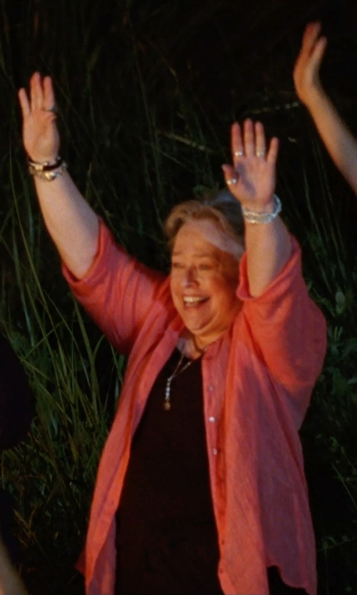 Kathy Bates with Calvin Klein Linen Button-Down Blouse in Tammy