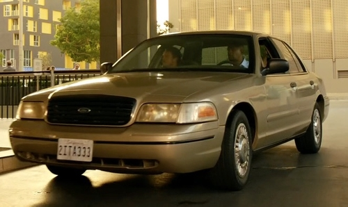 Damon Wayans with Ford 1999 Crown Victoria Coupe in Lethal Weapon