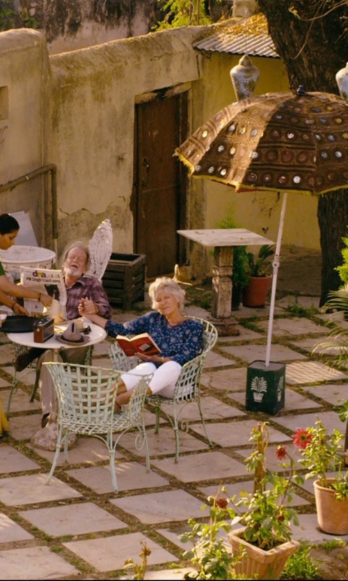 Diana Hardcastle with Michael Kors Cropped Cotton Pants in The Second Best Exotic Marigold Hotel