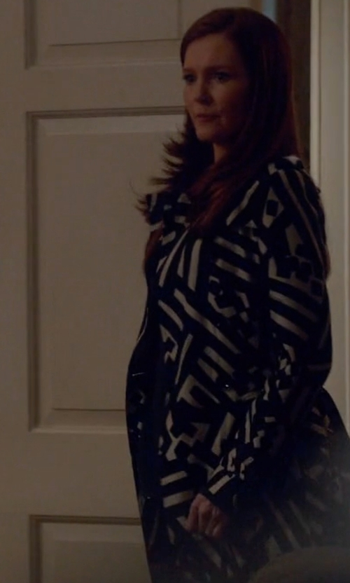 Darby Stanchfield with Burberry Geometric Print Silk Trench Coat in Scandal