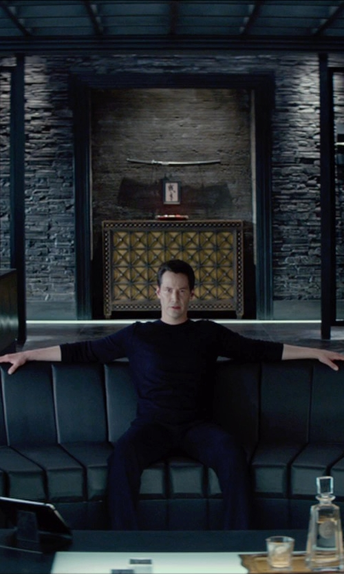 Keanu Reeves with Apple iPad Air in Man of Tai Chi
