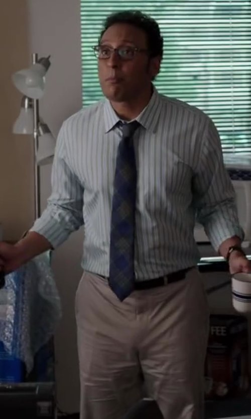 Aasif Mandvi with BAND OF OUTSIDERS KHAKI CHINO PANT in Million Dollar Arm