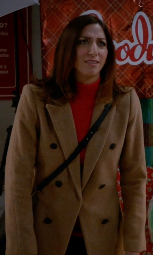 Chelsea Peretti with Rag & Bone 'Faye' Coat in Brooklyn Nine-Nine