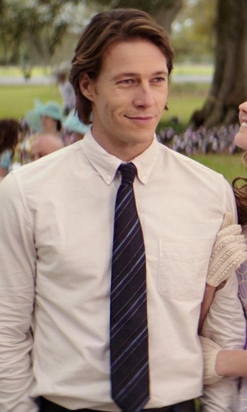 Luke Bracey with Hugo Boss Double Striped Silk Tie in The Best of Me