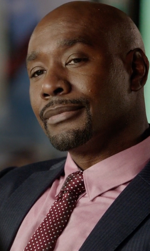 Morris Chestnut with Ted Baker Dortee Spotty Skinny Tie in Rosewood