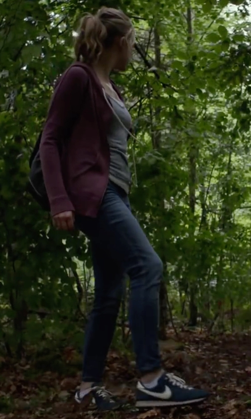 Natalie Dormer with Nike 'Air Pegasus 83' Sneakers in The Forest