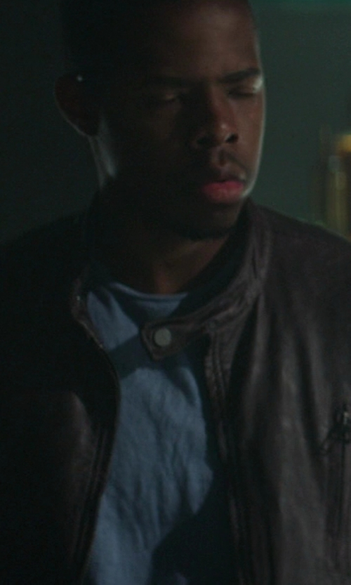 Omari Wallace with John Varvatos Star USA Short Sleeve Crew Neck Tee in Ride Along