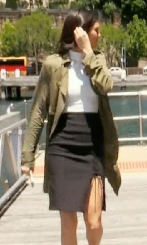 Kendall Jenner with Forever New Kylie Lace Up Pencil Skirt in Keeping Up With The Kardashians