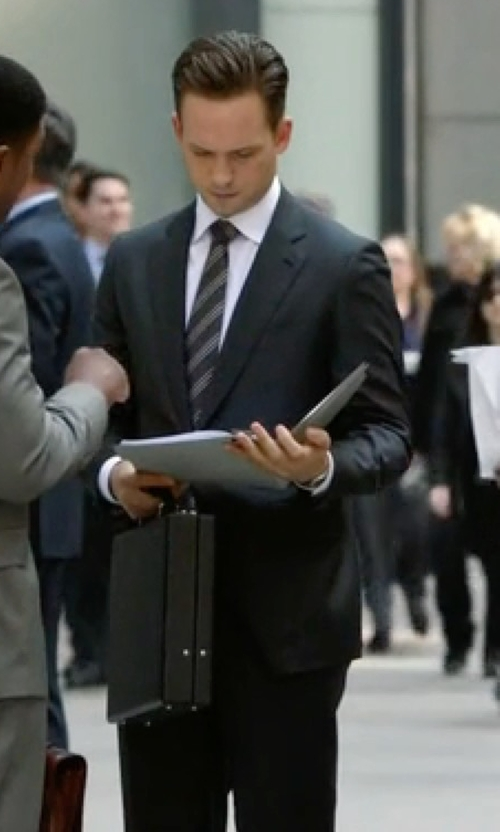 Patrick J. Adams with Ermenegildo Zegna Cool Wool Slim Fit Milano Suit in Suits