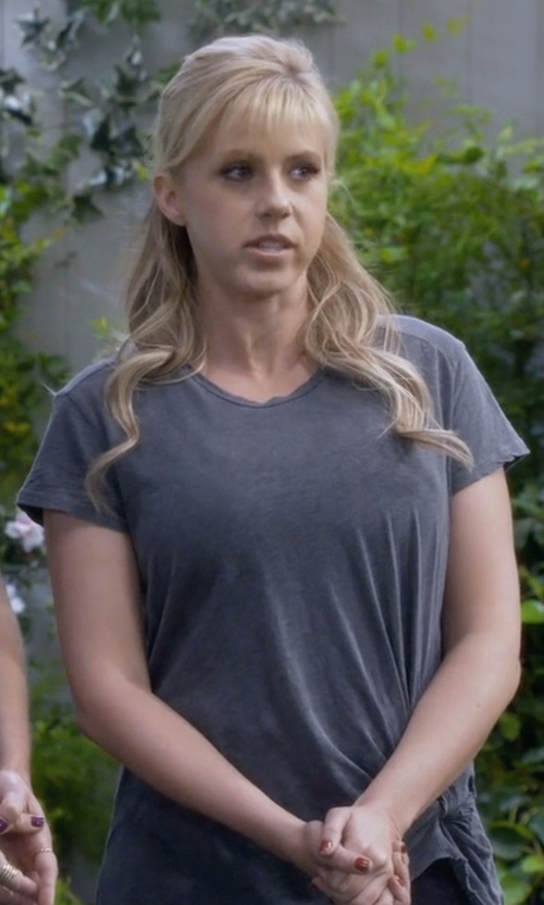 Jodie Sweetin with Stateside Twist Detail Tee in Fuller House