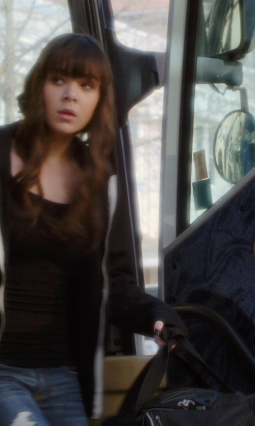 Hailee Steinfeld with Herschel Supply Co. Lonsdale Duffel Bag in Barely Lethal