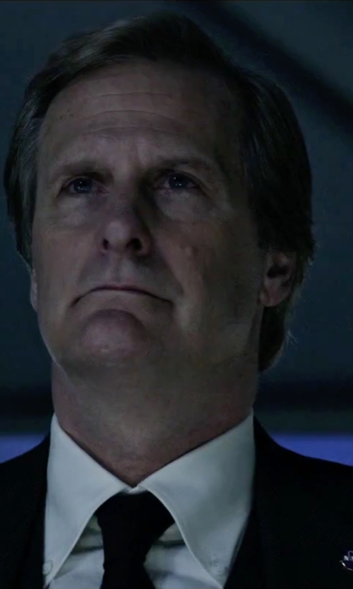Jeff Daniels with Armani Collezioni Drop 8 Suit in The Martian