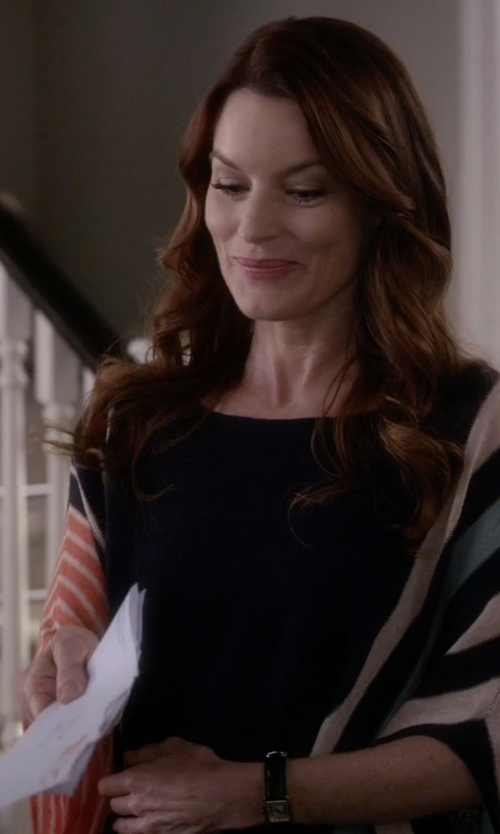 Laura Leighton with Seiko Solar Leather Watch in Pretty Little Liars