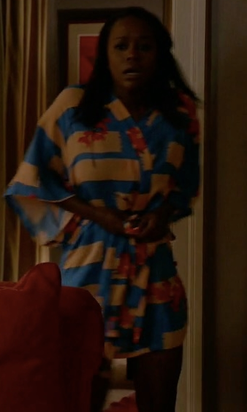 Aja Naomi King with Josie Brushed Flower Happi Printed Robe in How To Get Away With Murder