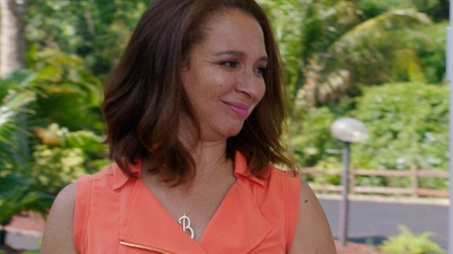 Maya Rudolph with DB Designs Diamond Accent Initial Necklace in Sisters