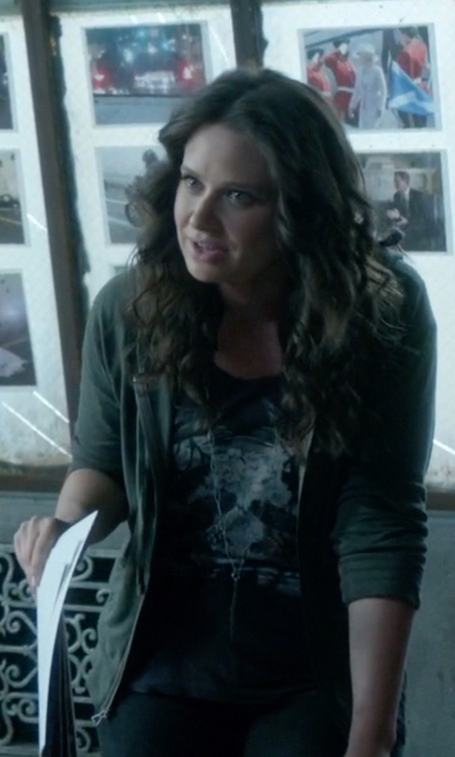 Katie Lowes with Sass & Bide One More Time Tee in Scandal
