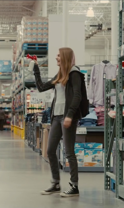 Cara Delevingne with Meltin Pot Denim Pants in Paper Towns