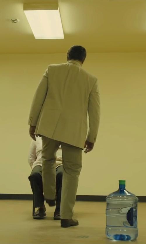 Benicio Del Toro with Tod's Wingtip Lace Up Oxford Shoes in Sicario