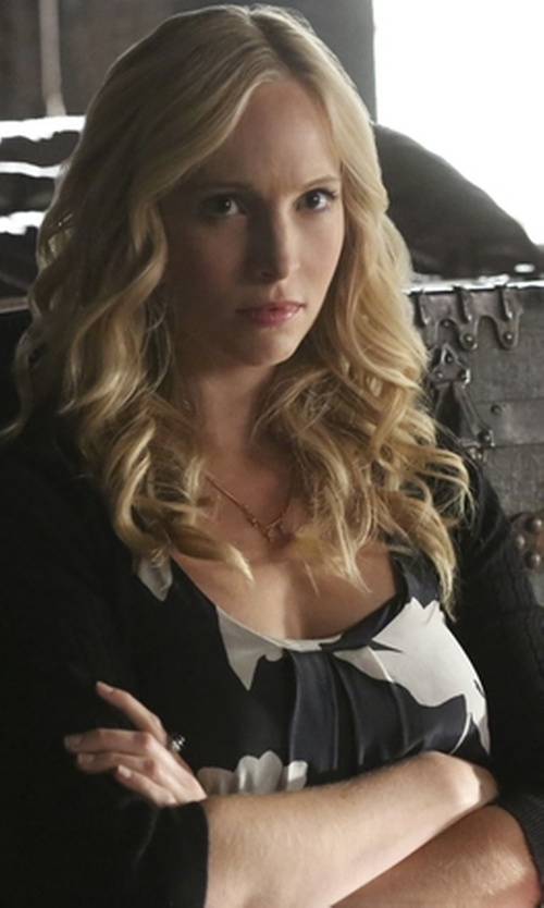 Candice Accola with Mango Textured Cotton Cardigan in The Vampire Diaries